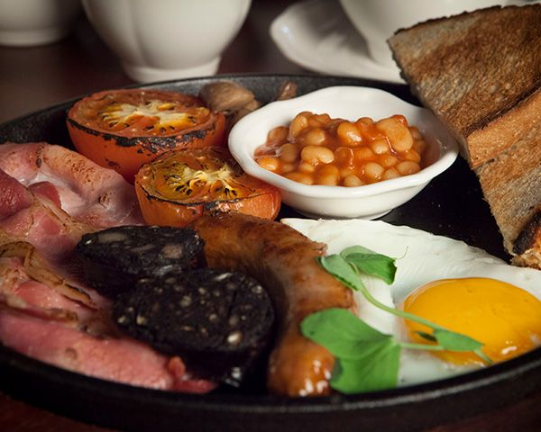 A Full Welsh breakfast at the Queens Head